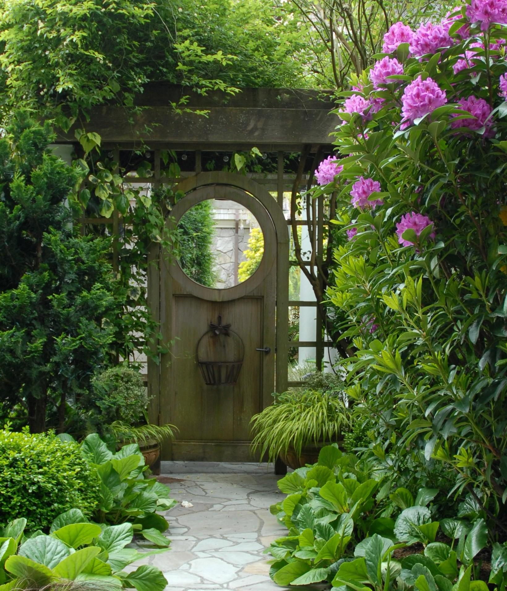 Index of blog wp content uploads 2009 11 for Outdoor garden doors
